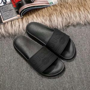 Con la scatola 2020 Slides Estate Luxury Beach Indoor Sandali piatti pantofole Infradito Con Spike sandalo