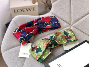 Yeni klasik mektup Çok katmanlı katlama ipek saç bandı çiçek elastik kırmızı, mavi, yeşil renkler kadınlar saç bandı başörtü turband şapkaya