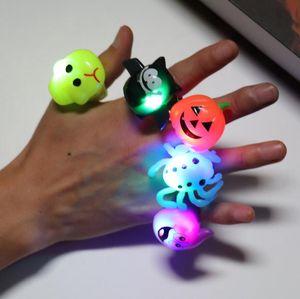 Halloween Party Finger ha condotto la luce del giocattolo dei bambini regalo bello Glow Giocattoli zucca Spider Bat fantasma regalo Supplie Glisten Anello Halloween Party 5 Style