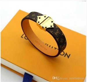 Venda quente Bangles Rivet 316 L Titanium aço inoxidável com couro genuíno pulseiras moda jóias para as mulheres PS7225 pulseira de presente