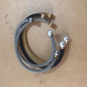 Nouveau mode d'or rose d'argent femmes inoxydable or de couleur noire coquille perles porte bracelet manchette Bracelet Bracelet Osos mujer
