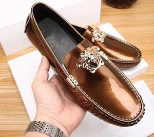 Erkekler Hakiki Deri Doug ayakkabı Patent Deri İngiliz tarzı Loafer'lar Ayakkabı En Kaliteli Moda İleri Şampanya rengi Sürüş ayakkabı