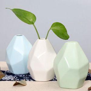 Vase en céramique à sec Fleur Creative Simple décoration de la maison ornement en forme européenne géométrique Gravé Bouteille EEA1409-5 de haute qualité