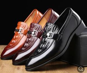 Hot Sale-New handgemachte Mode Tasselloafer Black Bottom Gentleman Mode Stress-Schuh-Mann-Geschäfts Fahr Schuhe da066