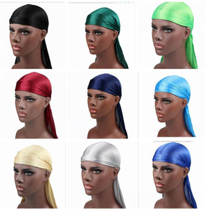 Nova Moda dos homens Satin Durgan Bandana Turbante Perucas 17 cores Dos Homens de Seda Durag Headwear Chapéu de Pirata Chapéu Acessórios Para o Cabelo