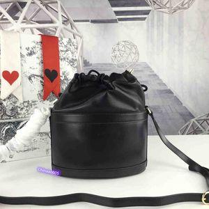 2020 bayanlar tek oda kova çantası, mükemmel kalite, model: 602118 boyutu: 22-25-12