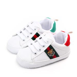 2019 Chaussures bébé nouveau-né Garçons Filles Coeur Etoile premier motif Walkers enfants en bas âge lacent PU Sneakers 0-18 Months
