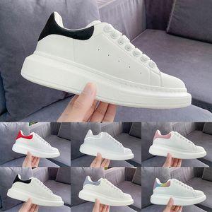2019 Luxury Fashion Designer Uomo Donna scarpe sneakers Pelle Velluto nero Bianco Rosso Piatto casual Scarpe Platform Trainers 5-11