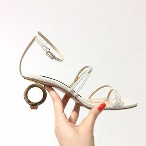 el envío libre 2020 de cuero de piel de oveja mujeres de las sandalias de bloques de construcción de Alien disimetría metal bajo Y se Sandalias Shoes