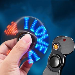 Dedo Gyro USB cigarros recarregável Isqueiros à prova de vento Flameless Eletrônico Isqueiro Mão Spinner Gyro Lighter Dedo Brinquedos DBC DH2580