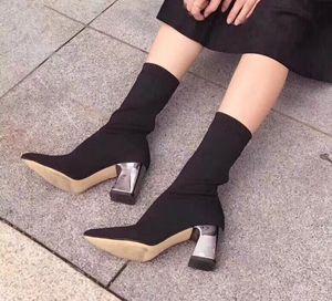 Hot Sale-hohe Plattform-Pelz-Aufladungen für Frauen-Modedesigner-heißer Frauen Kampf Booties Weiblich