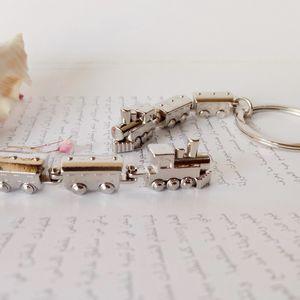 New Small Train Key Chain Men Women Charm Train Metal Keychin Cute Car Key Ring Best Gift Jewelry