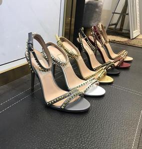 Hot Sale-Высокий каблук платформы сандалии конструктора лета женщин Подиум каблуки пип носком Модели Fottwear обувь Роскошная Цепные обувь