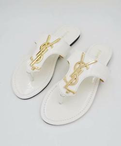 19 de alta calidad con sandalias de goma de manera deslizante playa de verano zapatillas de diseño de los hombres y de las mujeres zapatos de interior 35-42