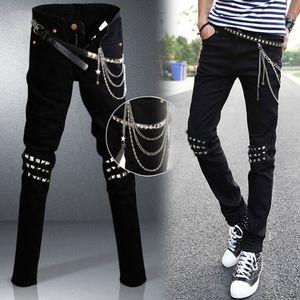 Mens roccia punk jeans neri Lap Hip Rivet Slim Fit Biker denim dei pantaloni dei ragazzi DJ Palcoscenico Strappato Skinny Jeans con cintura di Catene