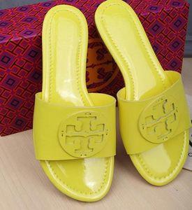 2020 Atacado Womens Designersandals Moda Multicolor Lady Luxuryslippers Chegada nova alta qualidade Mulheres Brandsandals T01 20022001W