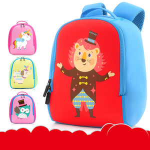 2020 new cute children's cartoon school bag kindergarten to reduce the burden of breathable backpack children's cute backpack color pattern