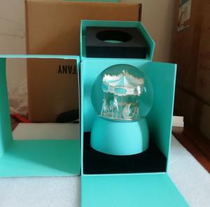 NUOVO VIP Gift! Carousel Snow Globe 2019 Luxury Crystal Ball decorare per Natale della novità del regalo di compleanno hanno una scatola regalo