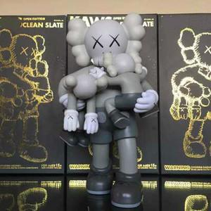Nuevo Octubre 37cm original falso Kaws muñecas figura abrazo KAWS colección de juguetes de regalo del diseño de la tendencia de color primario el modelo kaws bebé de 16 pulgadas