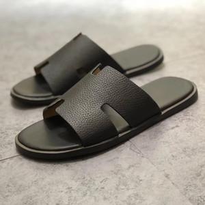 Nuevo diseñador Media zapatilla para hombre Sandalias de cuero genuino de cuero genuino europeo nuevos zapatos de hombre mocasines Zapatillas de gran tamaño Tamaño 38-45