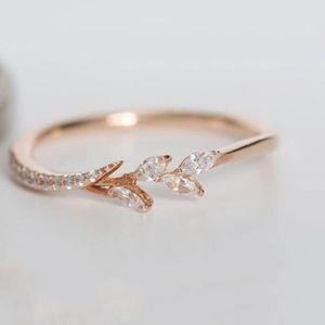 Forma de Rose de oro nueva manera del anillo de la plata del oro Pequeño Y euro americano Femenino de la rama de árbol creativa anillo de compromiso
