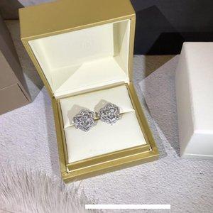 2019 Il nuovo orecchino femminile dea essenziale affascinante elegantat moda in argento Sterling Rose shapein
