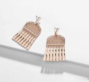 Kendra Tarzı Hollow Metal Kare Çerçeve Metal Püsküller Küpe Kadınlar için Scott Charms Küpe Parti Hediye