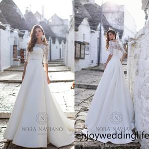 2020 Bohemian Vestidos de casamento do pescoço da colher Appliqued frisada mangas meia vestido nupcial Sash Ruffled Satin Varrer Train Robes De Mariée