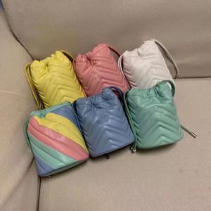 Deisgner berühmten Mini Eimer Damen Brief reine Farbe Messenger Tasche Schultertasche Cross Body Fashion Kettenrindleder 6 Farben Barverkauf