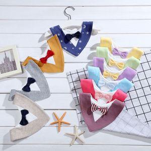 Gentleman triángulo de los baberos babero bebés bebé toalla de la saliva de los niños baberos Burp de recién nacidos sanos toalla suave Bow Tie Burp Cloth materia bufanda M1519