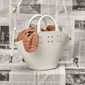 Fashion Women Handbags 2018 New High-quality PU Leather Women bag Iron Basket Square bag Chain Shoulder Messenger