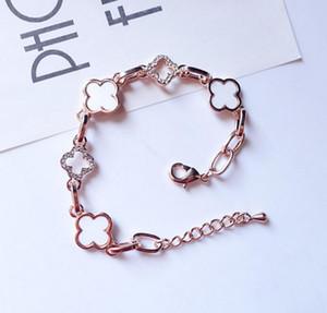 Designer en or 18 carats de couleur Trèfle Bracelet en cristal coréenne Mode luxe Charm Bracelet femmes Bijoux fête d'anniversaire cadeau Prix de gros