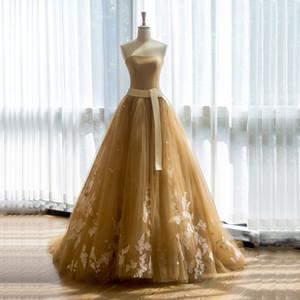 Unkonventionelle Strapless Tüll Champagne Farbige Brautkleider mit 3D-Applikation Traum Brautkleider Schärpe Mieder Brautkleider