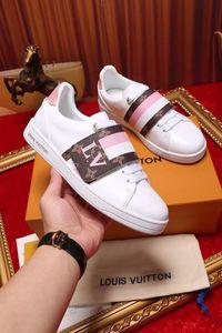 2019 zapatos de la alta calidad de los hombres de Stan Newsest con cordones de los zapatos de moda de cuero Marca Smith Hombres Mujeres Clásico zapatos de los planos casuales 35-45 V197