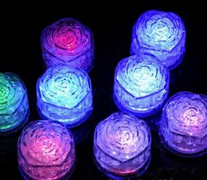 ارتفع الصمام ضوء مكعبات الثلج في المياه تحريض ارتفع نوع مكعبات ضوء الاستقرائي لمسة مكعبات ضوء ملون محاكاة الجليد شريط الدعائم الزفاف