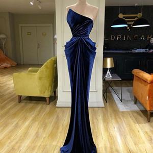 2020 atractivo azul de terciopelo sin mangas vestidos de baile sin tirantes de la envoltura de largo vestidos de noche por encargo de la dama de honor acanalada Drapped vestido