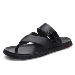 2020 New Flip Style en cuir véritable Flops hommes d'été frais extérieur Chaussons noir brun Slides plage Chaussures Hommes