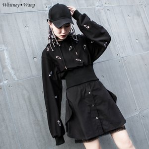 WHITNEY وانغ 2020 أزياء الخريف الشارع الشهير بروش التطريز مقنع البلوز هوديس النساء البلوز