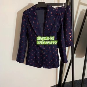 High End-Frauen arbeiten Luxuxentwurf Kirsche zweiteiliges Kleid drucken Tops Brief Blazer Jacke + Mini Shorts Weibliche Runway beiläufige Blazer Set Anzug