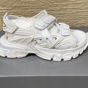 Triple S de piste femmes sandales à bout ouvert velcro Flats épais Sole Sandales Métal Mesh Tail Transparent Lumières femmes Buckle