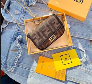 رسائل بو الجلود البسيطة CROSSBODY حقيبة المرأة 2020 أحمر الشفاه كوين ساعي البريد الكتف حقيبة على الموضة للنساء حمل 005