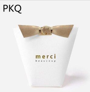"""30pcs Black White Kraft Paper Bag Bronzing francês """"Merci"""" Obrigado Wedding Party Você Gift Box Pacote sacos do favor de doces com fita"""
