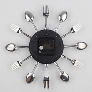 Nuevo Diseño cubiertos de metal reloj de pared de la cocina Cuchara Tenedor creativo de cuarzo montado en la pared Relojes de diseño decorativo moderno del Reloj Murale