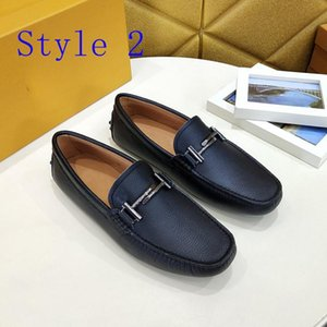 New Top quality brand fashion luxury designer man shoes sneakers Genuine Leather fashion flat casual metal Peas shoes Espadrilles