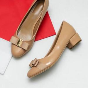 Hot Sale-Frauen reizvolle klassische Bogen Sandalen Damen Sommer Entwerferkleidschuhe Leder sexy klobige Schuhe der Frauen