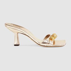 Las mujeres sandalias de cuero blanco de diapositivas de mitad de talón con cabeza de tigre negro mulas Diapositivas de piel zapatillas Patente Suela hecha en Italia de 7,5 cm con la caja
