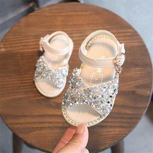 Dimi 2020 Toddlers Verão 0-3 Ano novo do bebé Sandals Lantejoula Rhinestone menina Little Princess Sandálias Sapatos Plano macia CY200512