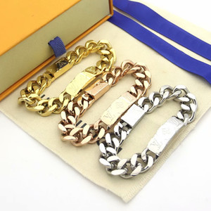 acciaio Europa America Moda Uomo Lady titanio catena 18K spessi bracciali con Incidere V Lettera dei quattro fogli Fiore Pendenti
