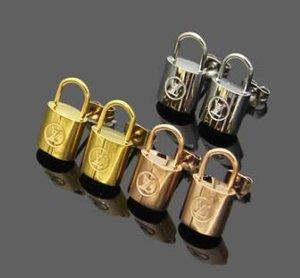 lüks tasarımcı takı kadın küpe Paslanmaz Çelik gümüş altın 18k altın elagant anahtar damızlık moda stil gül damızlık küpe kilidi
