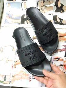 Fashion Designer slipper Men shoes women sandal Black Casual Seaside beach Flats Medusa slipper size 35-45